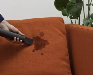 globinsko čiščenje kavča