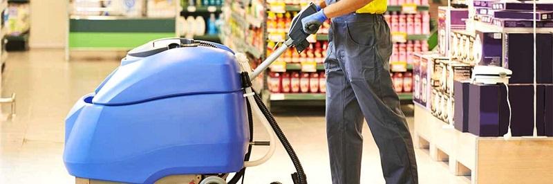 Redno čiščenje trgovin in strojno čiščenje tal v trgovskem centru